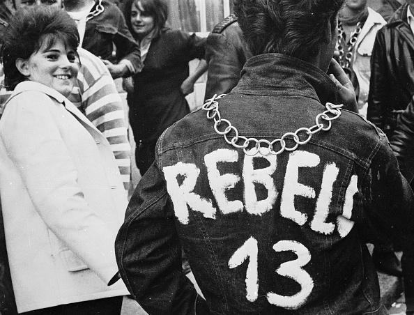 ジャケット「Rebel 13」:写真・画像(9)[壁紙.com]