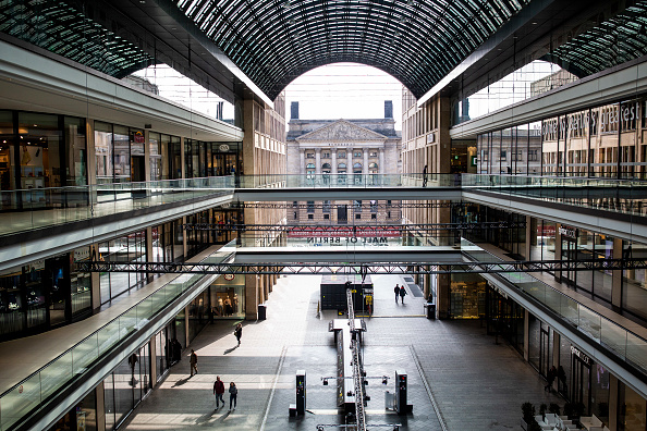 Shopping Mall「Everyday Life Fundamentally Altered As Measures To Stem Coronavirus Spread Are Tightened」:写真・画像(18)[壁紙.com]