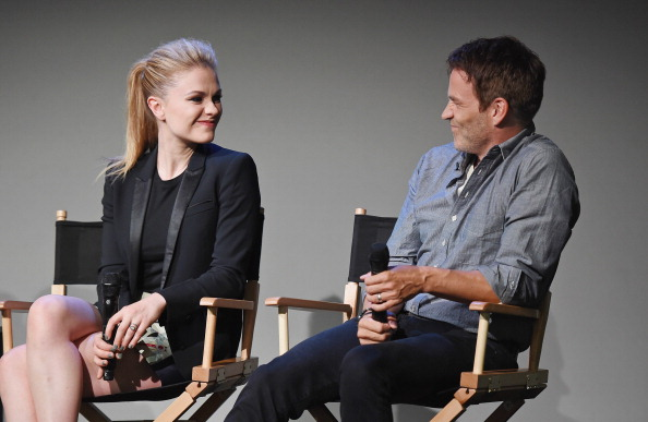 アンナ パキン「Apple Store Soho Presents: Meet The Cast: Stephen Moyer And Anna Paquin, 'True Blood'」:写真・画像(3)[壁紙.com]