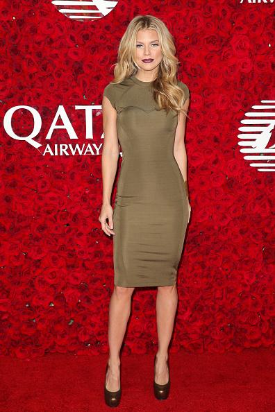 アナリン マッコード「Qatar Airways Los Angeles Gala」:写真・画像(16)[壁紙.com]