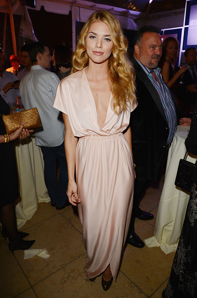 AnnaLynne McCord「7th Annual Hollywood Domino And Bovet 1822 Gala Benefiting Artists For Peace And Justice」:写真・画像(19)[壁紙.com]