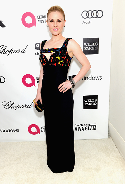 Anna Paquin「22nd Annual Elton John AIDS Foundation Academy Awards Viewing Party - Red Carpet」:写真・画像(13)[壁紙.com]