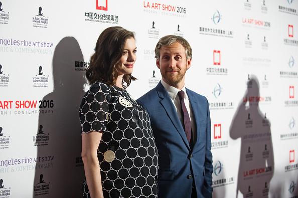 Husband「Anne Hathaway & Adam Shulman Host LA Art Show & Los Angeles Fine Art Show Opening Night Premiere Party」:写真・画像(0)[壁紙.com]