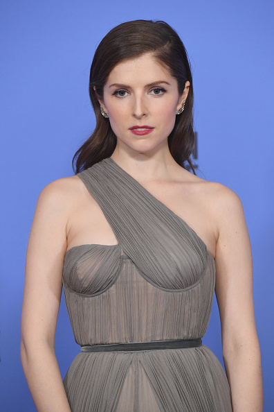 アナ・ケンドリック「74th Annual Golden Globe Awards - Press Room」:写真・画像(12)[壁紙.com]