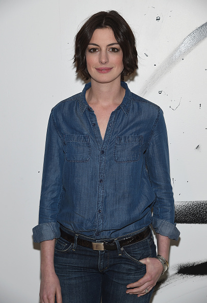 Double Denim「AOL Build Speaker Series: Anne Hathaway」:写真・画像(12)[壁紙.com]