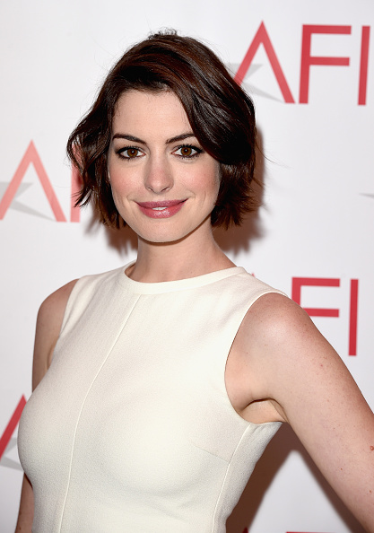 Actress Anne Hathaway「15th Annual AFI Awards - Arrivals」:写真・画像(19)[壁紙.com]