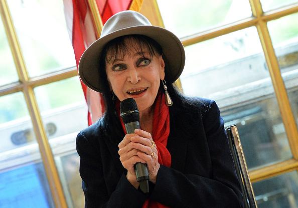 アンナ・カリーナ「Anna Karina Press Conference」:写真・画像(19)[壁紙.com]