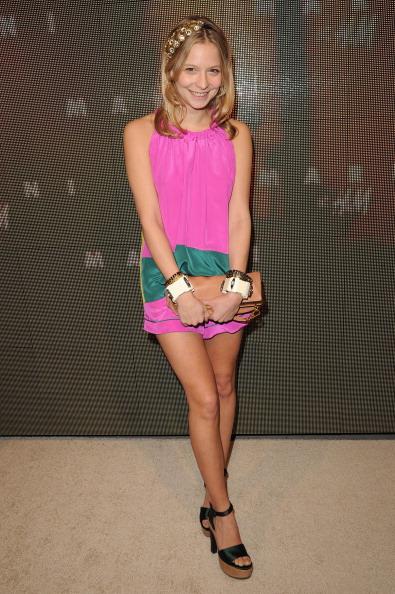 Annabelle Dexter Jones「Marni At H&M Collection Launch - Red Carpet」:写真・画像(19)[壁紙.com]