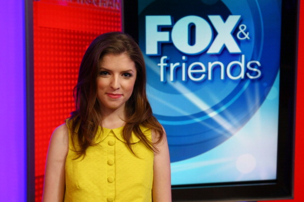 "Visit「Anna Kendrick Visits ""FOX & Friends""」:写真・画像(15)[壁紙.com]"