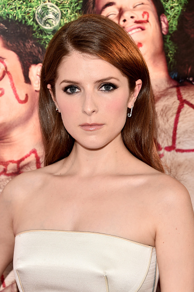 Anna Kendrick「Premiere Of 20th Century Fox's 'Mike And Dave Need Wedding Dates' - Arrivals」:写真・画像(16)[壁紙.com]