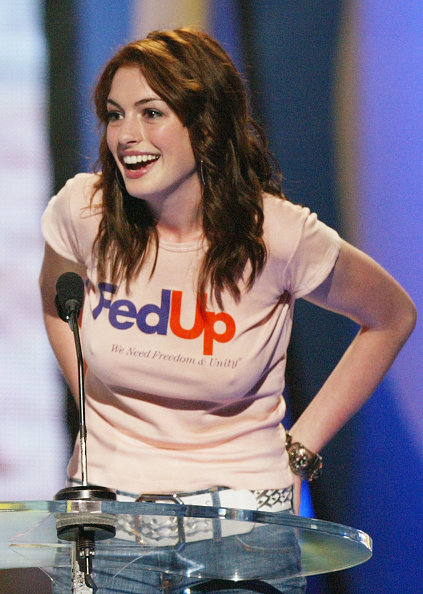 Actress Anne Hathaway「2004 Teen Choice Awards - Show」:写真・画像(4)[壁紙.com]