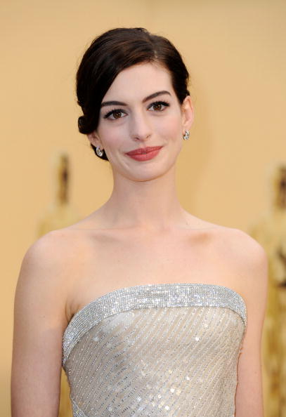 Actress Anne Hathaway「81st Annual Academy Awards - Arrivals」:写真・画像(3)[壁紙.com]