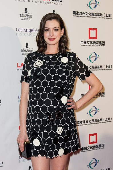 女優「Anne Hathaway & Adam Shulman Host LA Art Show & Los Angeles Fine Art Show Opening Night Premiere Party」:写真・画像(18)[壁紙.com]