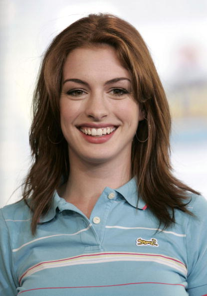 Actress Anne Hathaway「MTV TRL With Anne Hathaway And Jet Li」:写真・画像(6)[壁紙.com]