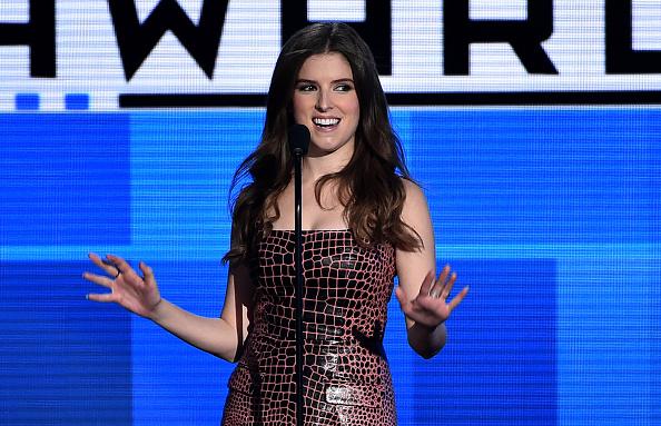 アナ・ケンドリック「2015 American Music Awards - Show」:写真・画像(1)[壁紙.com]