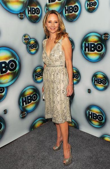 Gray Dress「HBO's Post 2012 Golden Globe Awards Party - Arrivals」:写真・画像(15)[壁紙.com]