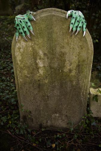 ゾンビ「ハロウィーンのモンスター手を墓地テゥームストーンに」:スマホ壁紙(12)