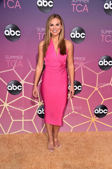 Hot Pink「ABC's TCA Summer Press Tour Carpet Event - Arrivals」:写真・画像(1)[壁紙.com]