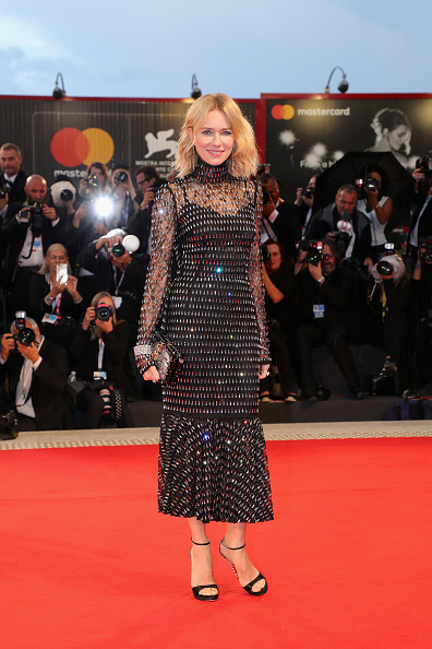 Naomi Watts「At Eternity's Gate Red Carpet Arrivals - 75th Venice Film Festival」:写真・画像(14)[壁紙.com]