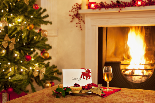 Tradition「Tartlet, wine and card for Santa」:スマホ壁紙(14)