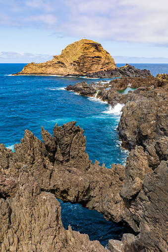 Porto Moniz「Portugal, Porto Moniz, Rocky coastline of Madeira Island」:スマホ壁紙(17)