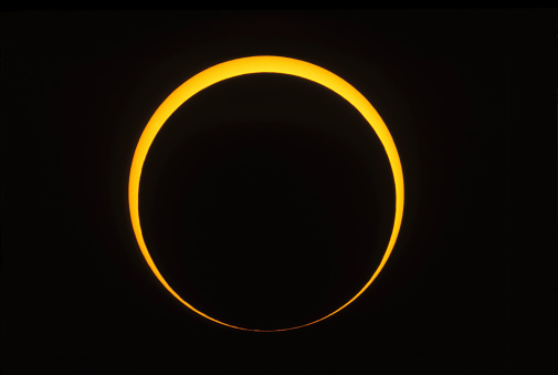 Annular Solar Eclipse「May 10, 1994 - Annular eclipse showing reverse Baily's beads effect. Taken from a site east of Douglas, Arizona.」:スマホ壁紙(5)