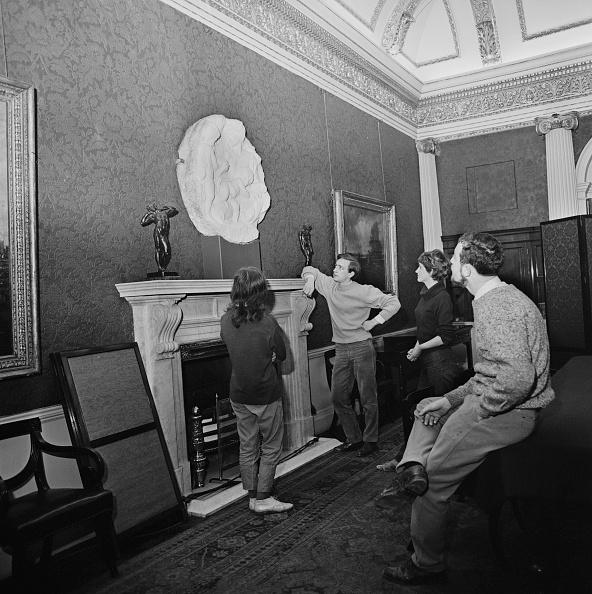 Michelangelo - Artist「Taddei Tondo」:写真・画像(14)[壁紙.com]