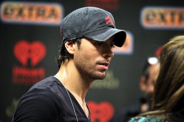 Enrique Iglesias - Singer「2012 iHeartRadio Music Festival - Day 2 - Backstage」:写真・画像(0)[壁紙.com]
