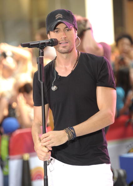 "Enrique Iglesias - Singer「Enrique Iglesias Performs On NBC's ""Today"" - July 16, 2010」:写真・画像(17)[壁紙.com]"