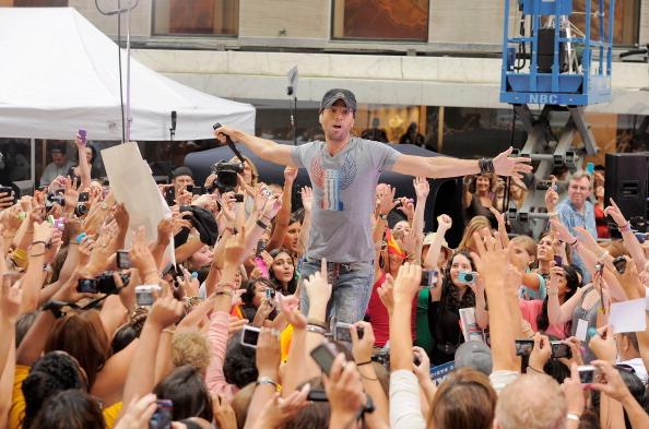 "Enrique Iglesias - Singer「Enrique Iglesias Performs On NBC's ""Today""」:写真・画像(3)[壁紙.com]"