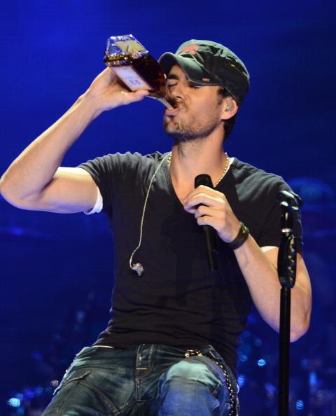 Enrique Iglesias - Singer「Atlantico Rum Celebrates The Los Angeles Enrique Iglesias And Jennifer Lopez Concert」:写真・画像(14)[壁紙.com]