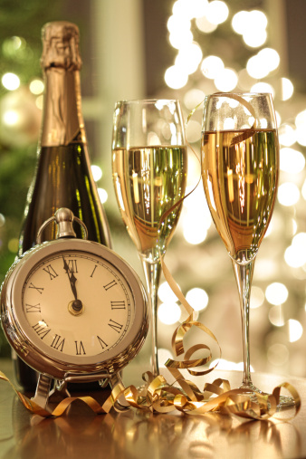 Annual Event「Champagne glasses ready to bring in the New Year」:スマホ壁紙(14)