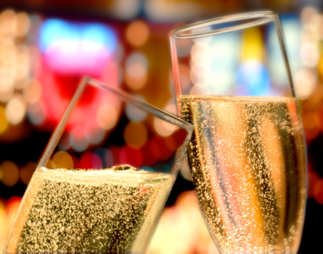 New Year「champagne glasses toast」:スマホ壁紙(4)