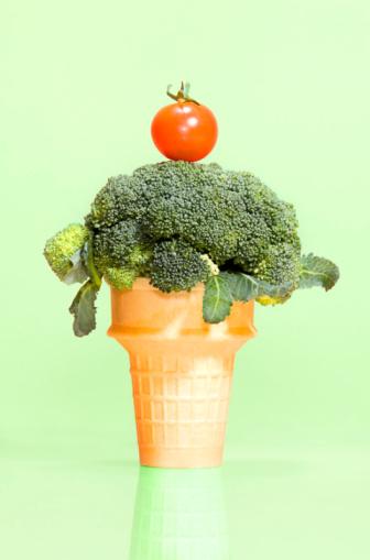 アイスクリーム「Broccoli in ice cream cone」:スマホ壁紙(16)