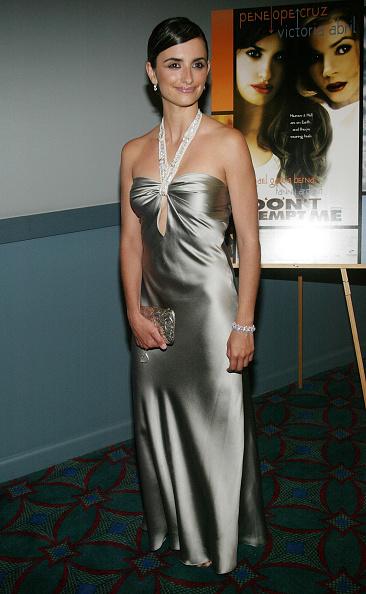 Satin「Penelope Cruz」:写真・画像(15)[壁紙.com]