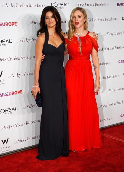 "Finger Waves「Premiere Of Weinstein Company ""Vicky Cristina Barcelona"" - Arrivals」:写真・画像(15)[壁紙.com]"