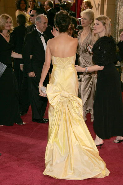 Yellow Dress「77th Annual Academy Awards - Arrivals」:写真・画像(11)[壁紙.com]