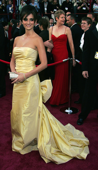 Yellow Dress「77th Annual Academy Awards - Arrivals」:写真・画像(12)[壁紙.com]
