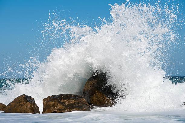 Storm Surf:スマホ壁紙(壁紙.com)
