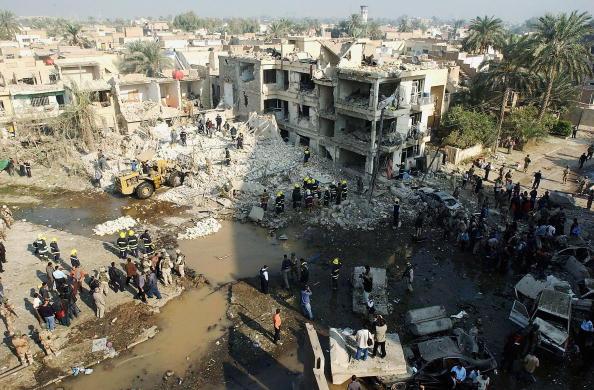 Baghdad「Suicide Bombers Target Interior Ministry Building In Baghdad」:写真・画像(17)[壁紙.com]