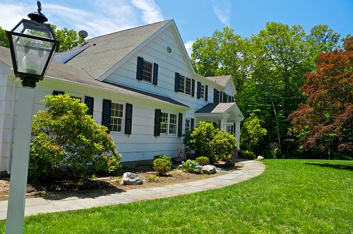 Japanese Maple「Connecticut, New England USA, c.1970's Colonial style suburban home」:スマホ壁紙(10)