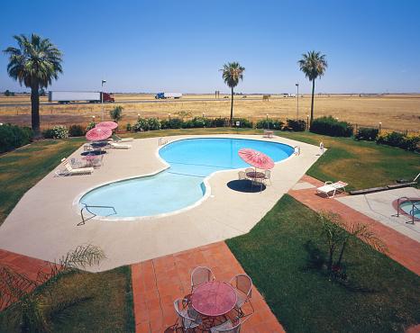 Motel「Motel swimming pool near freeway」:スマホ壁紙(1)