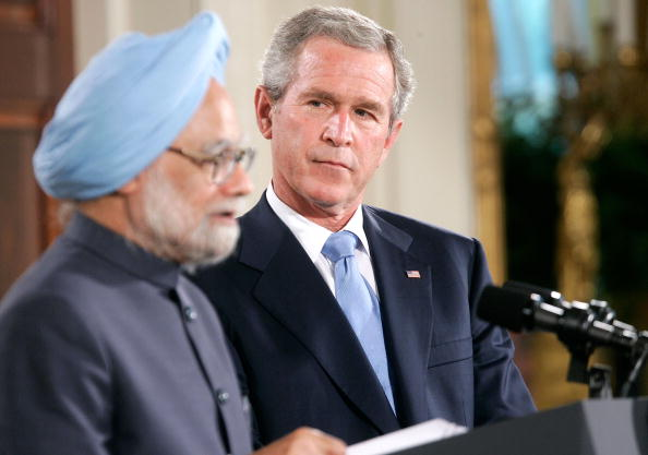 Visit「President Bush Greets Indian Prime Minister At The White House」:写真・画像(2)[壁紙.com]