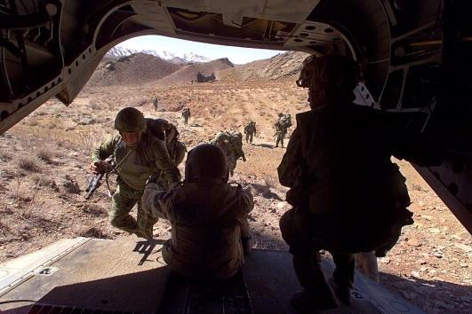 Operation Anaconda「U.S. and Canadian Troops Hunt Taliban and al Qaeda Fighters」:写真・画像(14)[壁紙.com]