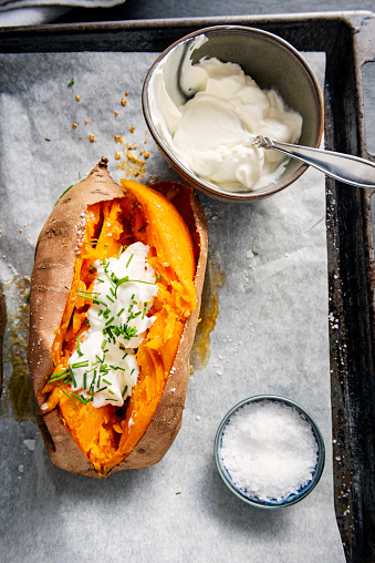Sour Cream「Baked sweet potato with sour cream, chives.」:スマホ壁紙(0)