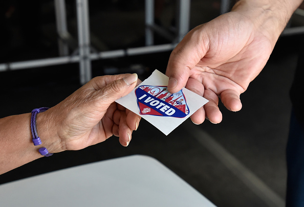 Nevada「Voters Across The Country Head To The Polls For The Midterm Elections」:写真・画像(12)[壁紙.com]