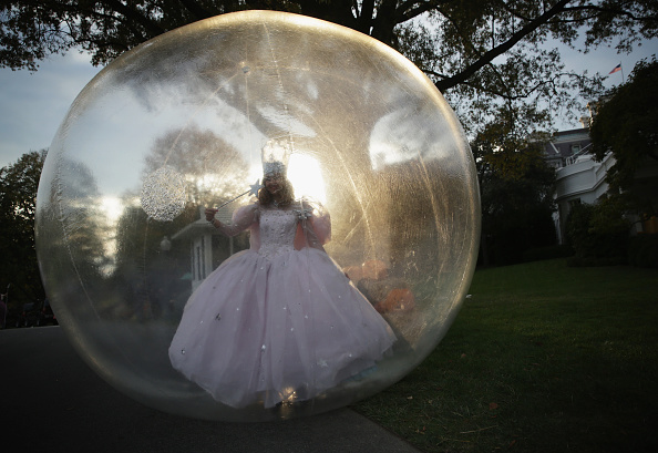 Bubble「President Obama And First Lady Celebrate Halloween At The White House」:写真・画像(18)[壁紙.com]