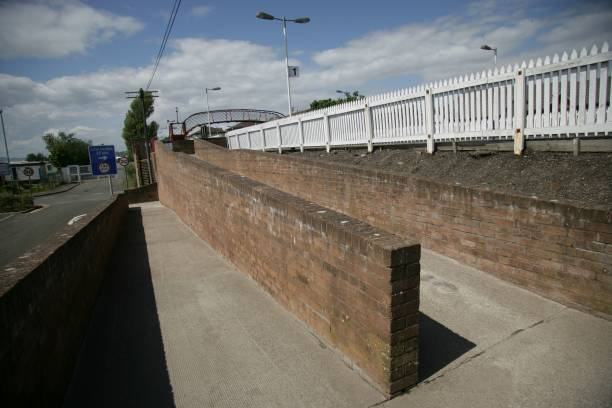 Access ramps to the platform at Monifieth station:ニュース(壁紙.com)