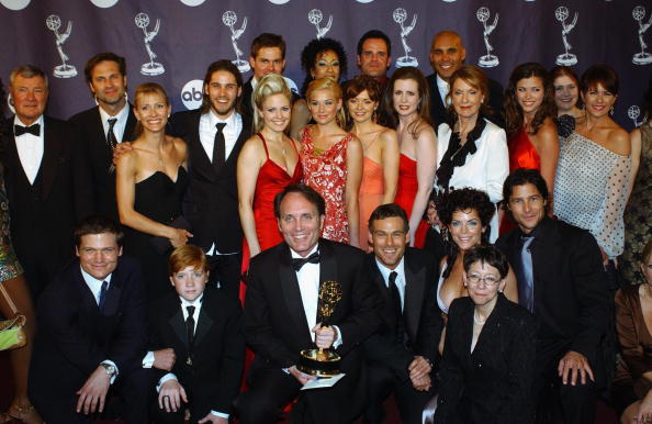 Soap「30th Annual Daytime Emmy Awards Press Room」:写真・画像(5)[壁紙.com]