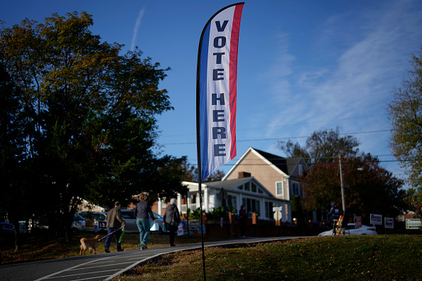 Arlington - Virginia「Voters Head To The Polls On Election Day」:写真・画像(7)[壁紙.com]